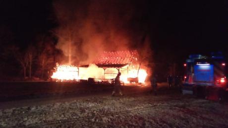 Am Dreikönigstag gegen 6.30 Uhr: Brand einer Stallung bei Haltenberg