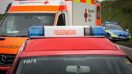 Wie die Polizei meldet, ist bei Türkenfeld ein Auto in einem Weiher gelandet.