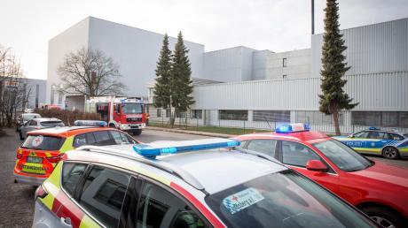 Im Landsberger Industriegebiet ist es in einer Firma am Montagvormittag zu einer Verpuffung gekommen.