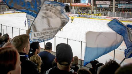 Damit bei den Spielen der Riverkings weiterhin friedlich gefeiert werden kann, greift der HC Landsberg gegen einen mutmaßlichen Schläger hart durch.