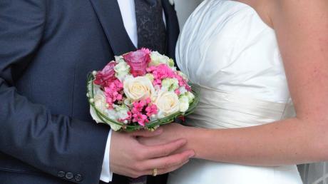 """Wer heiratet, sucht sich mitunter auch ein besonderes Datum aus. Von einer """"Schnapszahl"""" ist dann schnell die Rede."""