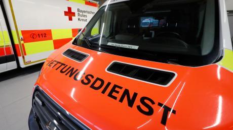 Eine junge Frau musste nach einem Unfall in Höchstädt ins Krankenhaus gebracht werden.