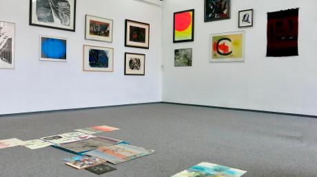 Knackpunkt jeder Ausstellung im Fritz-Winter-Atelier: die Seiten- und Stirnwand im mehr als vier Meter hohen Hauptraum.