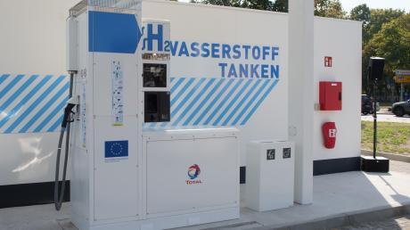 Eine Wasserstofftankstelle könnte es auch bald in Kaufering geben.