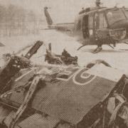 Das Pressefoto von Maria Kübler zeigt ein Flugzeugteil in der Nähe des Weilers Wildbad. Am 22. Januar 1970 stürzten bei Asch zwei Starfighter der Bundeswehr ab.