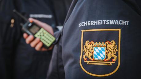 Seit Ende 2018 gibt es in Landsberg eine Sicherheitswacht. Auch in Geltendorf sollen die Ehrenamtlichen patrouillieren.