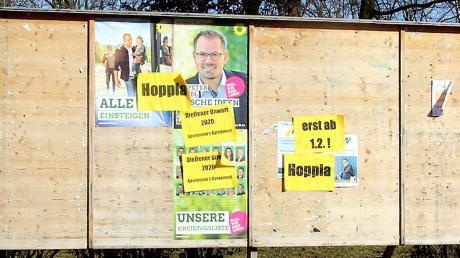 In der Nacht auf Donnerstag haben Unbekannte die Wahlplakate von Bayernpartei und Dießen überklebt. Kritisiert wird, dass die beiden Parteien vorzeitig plakatiert haben.