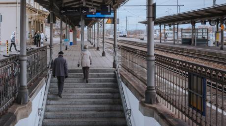 Über den barrierefreien Umbau des Bahnhofs Kaufering hat Bürgermeister Thomas Salzberger mit Vertretern der Deutschen Bahn gesprochen.