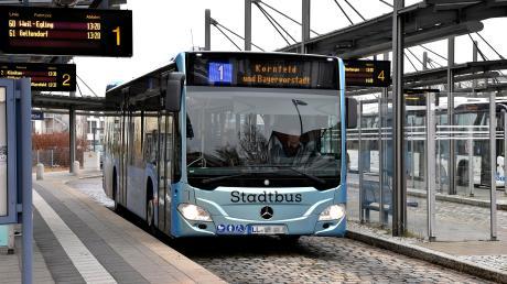 Ein Unfall, bei dem in einem Stadtbus drei Frauen verletzt wurden, sorgt in Landsberg für Diskussionen.