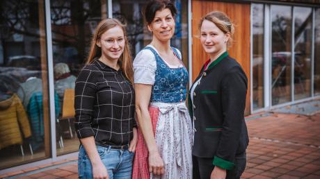 Wie sehen junge Landfrauen die Zukunft der Landwirtschaft? Das Landsberger Tagblatt hat beim Landfrauentagim Alten Wirt in Eresing mit (von links) Larissa Lechner, Elisabeth Ruile und Anna Holzmüller gesprochen.