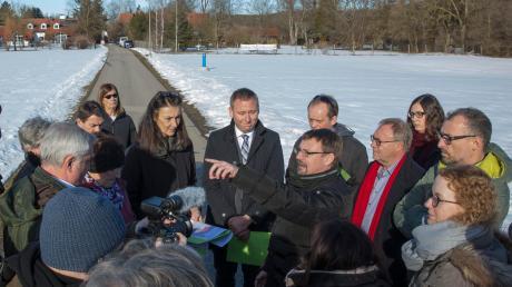 Vor einem Jahr waren Vertreter des Petionsausschusses des Landtags bei einem Ortstermin in Dornstetten, um zu vermitteln. Im Mai stimmten 75,8 Prozent der Unterdießener beim Bürgerentscheid für das Baugebiet.