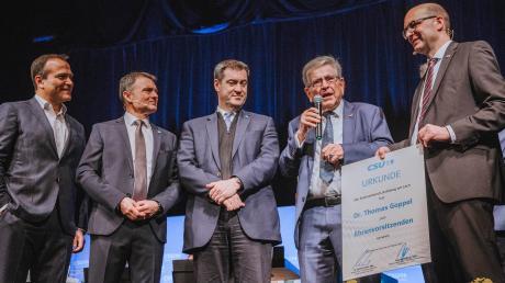 Dr. Thomas Goppel ist Ehrenkreisvorsitzender der CSU (von links): Landrat Thomas Eichinger, Oberbürgermeister Mathias Neuner, Ministerpräsident Markus Söder, Thomas Goppel und Bundestagsabgeordneter Michael Kießling.