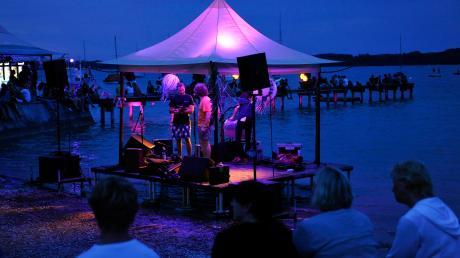 Werden heuer wieder Bands am Ammerseeufer in Schondorf Musik machen? Noch ist unklar, ob es 2020 ein Sammersee-Festival geben wird.