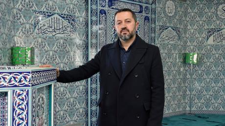 Ömer Cölkusu ist Vorsitzender der Landsberger Ditib-Gemeinschaft. Das Foto zeigt ihn in der Moschee auf den Oberen Wiesen.