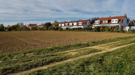 Der Vorbote einer Bebauung am Reischer Talweg im Osten von Landsberg wird eine neue Kindertagesstätte sein. Wie sie gebaut werden soll, hat jetzt der Stadtrat beschlossen.