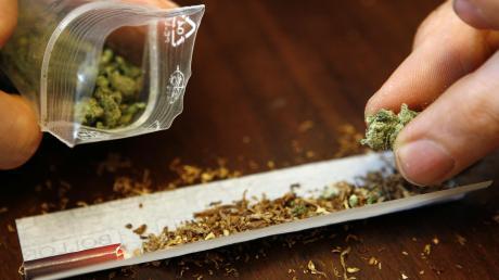 Erwerb und Verkauf von Marihuana haben einen 26-jährigen Mann in Landsberg vors Amtsgericht gebracht.