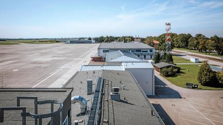 Wie geht es mit dem Fliegerhorst Penzing weiter? Die Frage wird Penzing und den Landkreis noch lange beschäftigen.