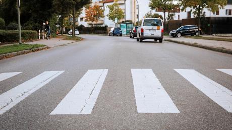 An dem Zebrastreifen an der Carl-Friedrich-Benz-Straße in Landsberg hat sich am 5. Oktober 2019 ein tödlicher Verkehrsunfall ereignet. Dieser beschäftigte jetzt das Amtsgericht.