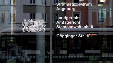 Am Landgericht in Augsburg findet eine Verhandlung gegen einen Mann aus Syrien statt, der in Dasing lebt.