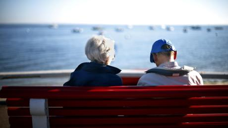 Hilfe für ältere Menschen auf in Krisenzeiten.
