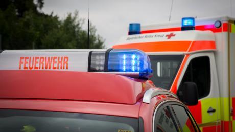 Drei Personen sind am Samstag bei einem Verkehrsunfall auf der B 17 bei Steingaden schwer verletzt worden.