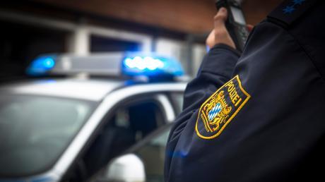 Die Dillinger Polizei musste am Dienstag zwei Geschäfte schließen, die gegen die Allgemeinverfügung verstoßen hatten.