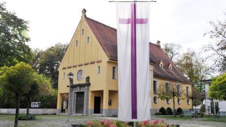 Die evangelisch-lutherische Kirchengemeinde in Landsberg überträgt Gottesdienste und Andachten jetzt auch über einen Youtube-Kanal.