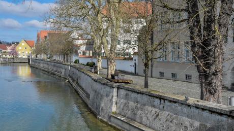 Welch ein Unterschied zum Sonntag vor einer Woche: Auf dem Peter-Dörfler-Weg war in Landsberg kurz vor Mittag niemand zu sehen.