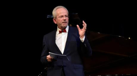 Axel Flörke bei einer Preisverleihung im Stadttheater.