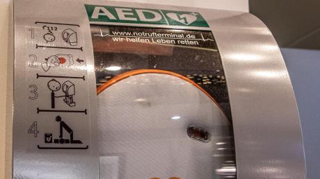 Unbekannte haben aus dem Jobcenter in Landsberg einen Defibrillator gestohlen.