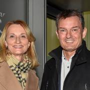 Doris Baumgartl (UBV) ist neue Oberbürgermeisterin von Landsberg. Amtsinhaber Mathias Neuner (CSU) muss nach acht Jahren abtreten.