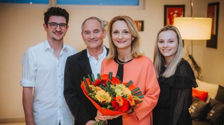 Doris Baumgartl, die neue Oberbürgermeisterin der Stadt Landsberg, mit ihrem Mann Hans-Joachim Baumgartl und den Kindern Alexander und Isabella.