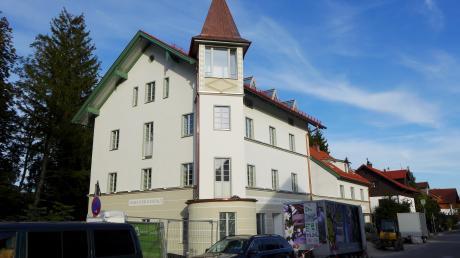 Das renovierte ehemalige Steinhauser-Anwesen bildet den Eingang zur Bahnhofstraße in Utting.