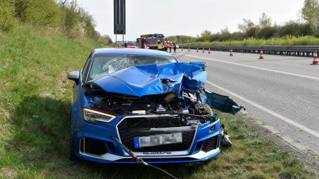 Ein Unfall mit einem Sportwagen hat sich am Donnerstagnachmittag auf der B17 bei Hurlach ereignet.