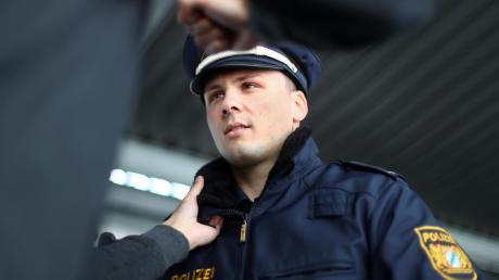 In Herrsching ist ein Mann auf Polizisten losgegangen.