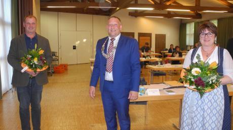 Gabriele Hunger (CSU) ist in den kommenden sechs Jahren Zweite Bürgermeisterin in Kaufering. Amtsinhaber Thomas Salzberger (SPD) gratulierte ihr ebenso wie dem Dritten Bürgermeister Andreas Keller (Grüne).