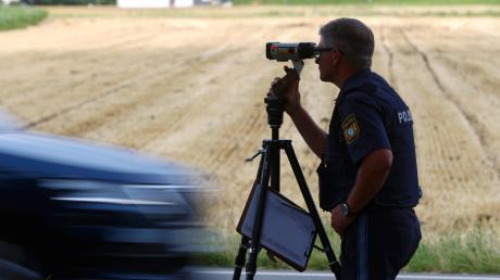 Die Penzberger Polizei hat den Fahrer eines Sportwagens mit 250 Stundenkilometern geblitzt. Erlaubt waren 100 Stundenkilometer.