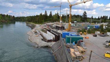 Im nördlichen Landkreis entstehen Aufstiegshilfen für Fische. In Scheuring zum Beispiel stehen bereits Trennwände für das Einstiegsbauwerk.