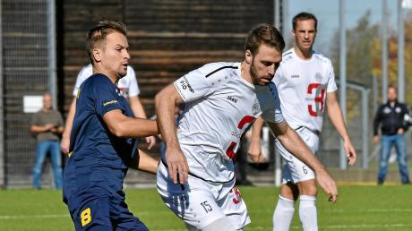 Muriz Salemovic (links im Trikot des FC Pipinsried) wird wieder ein Landsberger. Der Zauberfuß kehrt zum TSV zurück und wird dann wieder gemeinsam mit Philipp Siegwart (rechts) auf Torejagd gehen.