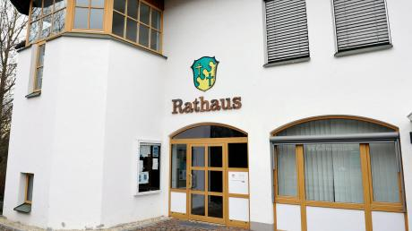 Im Scheuringer Rathaus gab es einen Wechsel: Konrad Maisterl ist neuer Bürgermeister.