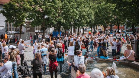 Die Impfkritiker von Levana wollen in Landsberg eine Großdemonstration gegen die Corona-Maskenpflicht veranstalten.