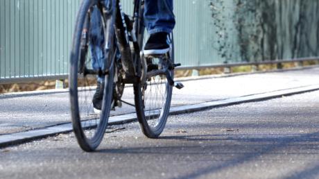 Mit über zwei Promille stoppten Polizisten einen Pedelec-Fahrer in Bellenberg.