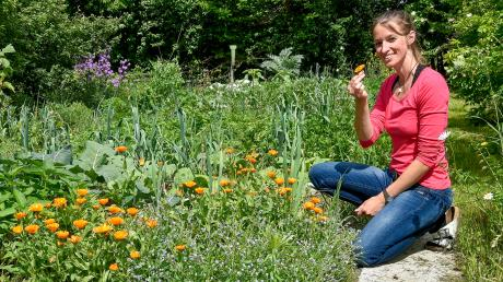 Der Garten von Diana Kurzweg aus Eching gleicht einem grünen Paradies. Dort wachsen viele Kräuter undGemüsesorten. Sogar einen Elfenbaum gibt es.
