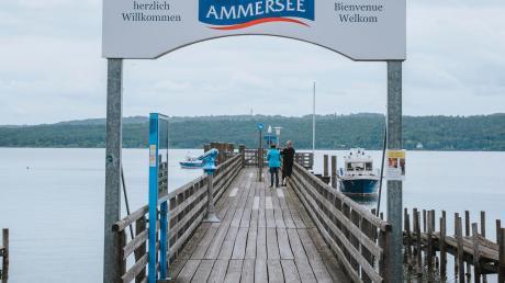 Noch warten Touristen wie Einheimische vergeblich darauf, am Dießener Dampfersteg ein Ausflugsschiff zu besteigen. Das wird sich ab 20. Juni ändern. Dann soll auch am Ammersee-Westufer die Saison 2020 endlich beginnen.