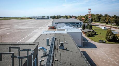 Auf dem nicht mehr genutzten Fliegerhorst in Penzing könnten neue Wohnungen und Arbeitsplätze entstehen. In Penzing gibt es nun einen Ausschuss, der sich damit beschäftigt, wie die Fläche genutzt werden soll.