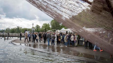 Ein bisschen Hochwasser gab es 2019 beim Töpfermarkt. Heuer könnte die Veranstaltung auch zum bislang anvisierten Nachholtermin im September ins Wasser fallen, wenn die coronabedingten Veranstaltungsverbote über den 31. August hinaus gelten.