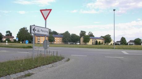 Über die Erschließung des Baugebiets Benediktbeurer Ring in Penzing hat der Gemeinderat entschieden. Das Baugebiet soll von der Staatsstraße her mit einer Kreuzung erschlossen werden.
