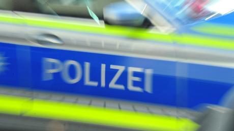 Ein Radfahrer ist bei einem Verkehrsunfall in der Nähe von Scheuring schwer verletzt worden.