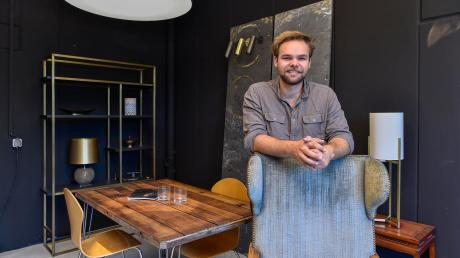 Geschäftsführer Jonas Schneider hat die Leuchtenfirma Schönecker in Eresing vor zwei Jahren übernommen.