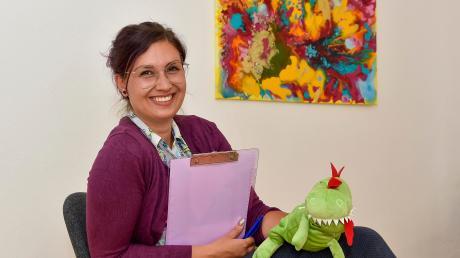 Sonja Schnieringer aus Fuchstal arbeitet als Theatertherapeutin. Sie hilft Menschen mit Rollenspielen dabei, ihre Probleme zu bewältigen.
